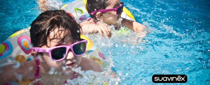 Risques pour bébé et enfants pendant l'été vacances piqures soleil conseils blog Suavinex