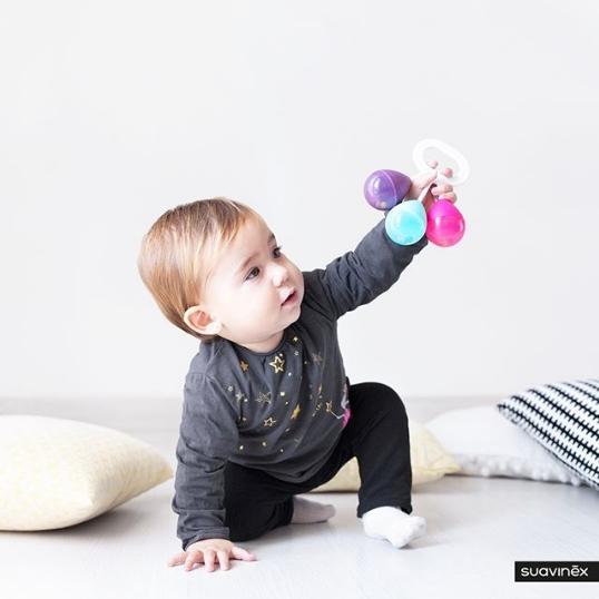 Hochet Suavinex pour le développement psychomoteur de bébé