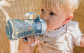 Faire boire bébé l'été