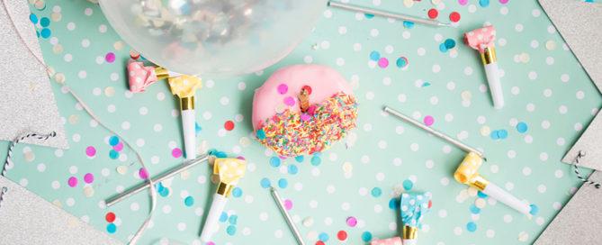 annonce-grossesse-originale-ballon-confettis-blog-suavinex